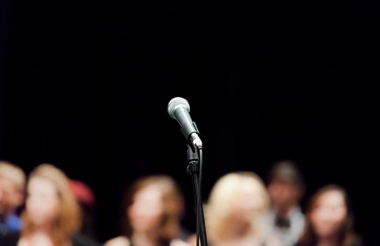public-speaking-presentation-body-language
